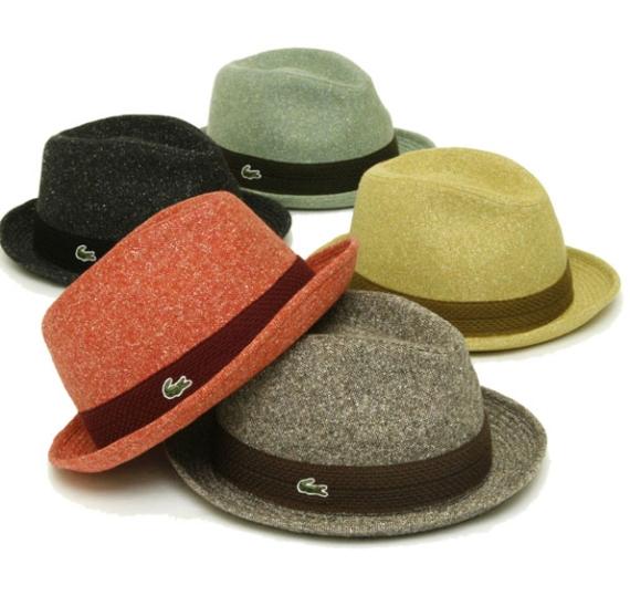 29ae3de80d3 Os chapéus ainda são vendidos somente no japão – pelo preço em média de  9.500 iens ou R 200